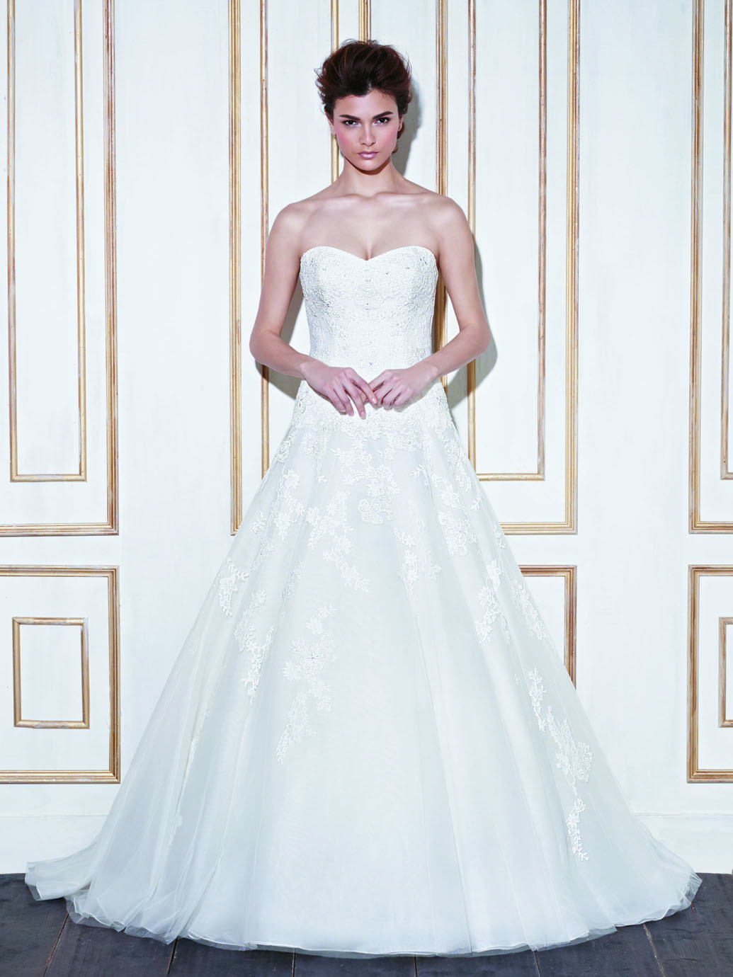 Plus Size Wedding Dresses Rugby : Blue by enzoani dress winging to romania